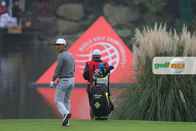 Thobbjorn Olesen (DEN) on the 18th green during Round 4 of the WGC HSBC Champions at the Sheshan International Golf Club in Sheshan, Shanghai, China on Sunday 13/09/15.<br /> Picture: Thos Caffrey | Golffile