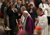 Papa Francesco celebra la Liturgia Penitenziale nella Basilica di San Pietro. Città del Vaticano, 29 marzo, 2019.<br /> Pope Francis celebrates the Liturgy of Penance in Saint Peter's Basilica at the Vatican, on March 29, 2019.<br /> UPDATE IMAGES PRESS/Isabella Bonotto<br /> <br /> STRICTLY ONLY FOR EDITORIAL USE
