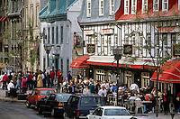 Rue du Tresor shops, artists and restaurants