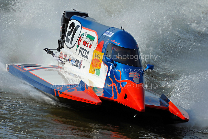 Jose Mendana, Jr. (#21).. (Formula 1 class)