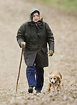 ©Albanpix.com-Picture by Jerry Daws.The Queen walks . on the Sandringham estate,Norfolk today 26-01-08.