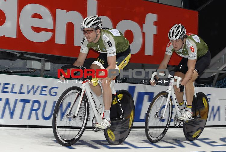13.01.2015, &Ouml;VB Arena, Bremen, GER, Sixdays Bremen, im Bild Martin Blaha / Vojtech Hacecky (Team Atlantic Gruppe #5)<br /> <br /> Foto &copy; nordphoto / Frisch