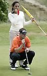 NOORDWIJK - winnaar Niels Kraaij met caddie Marie-Louise Weeda. Stern Open (Nationaal Open) op de Noordwijkse GC . Foto Koen Suyk