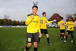 2015-10-25 / Voetbal / seizoen 2015-2016 / KSK Heist - K Lierse SK / Lierse viert de overwinning tegen Heist. Hier Sabir Bougrine<br />Foto: Mpics.be