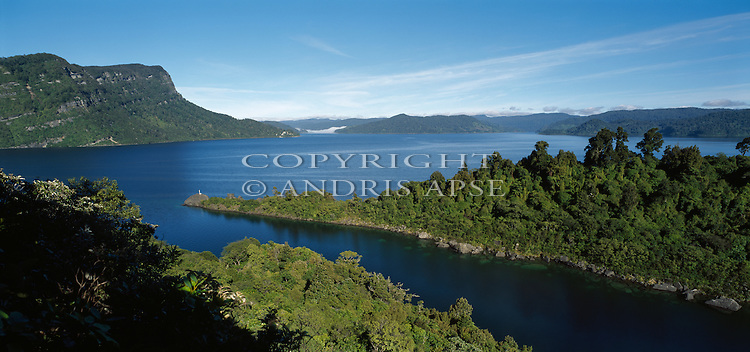 Lake Waikaremoana. Te Urewera National Park. Hawkes Bay Region. New Zealand.