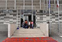 Roma, 3 Maggio 2011.Una quarantina di studenti della Sapienza ha occupato l'assessorato alle Politiche abitative del Comune di Roma in largo Giovanni da Verrazzano per chiedere un nuovo welfare e un tavolo istituzionale per discutere le politiche abitative nella Capitale. I giovani incontrano il capo staff del sindaco Antonio Lucarelli e l'assessore alla Casa Alfredo Antoniozzi