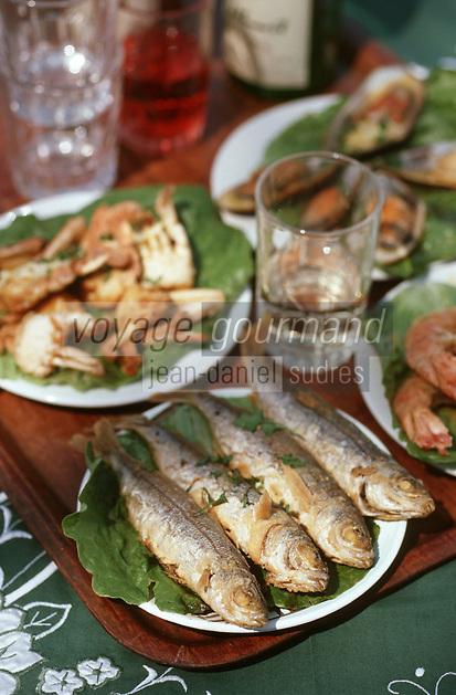 Europe/Chypre/Latchi: Recette Mezze de poissons - Sardines, calmar, moules, crabe et gambas