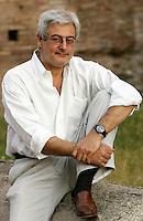 Lo scrittore e giornalista Bruno Arpaia ritratto a Roma, 16 giugno 2011, in occasione del Festival Internazionale delle Letterature..Italian writer and journalist Bruno Arpaia portrayed in Rome, 16 june 2011, in occasion of the International Literature Festival..UPDATE IMAGES PRESS/Riccardo De Luca