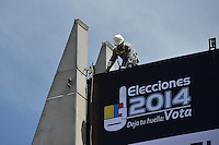 BOGOTÁ -COLOMBIA. 24-05-2014. Aspectos de los preparativos en Corferias, Bogotá, hoy 24 de mayo de 2014 para las elecciones presidenciales en Colombia que se realizarán el próximo 25 de mayo de 2014./ Aspect of the preparations in Corferias, Bogota, today May 23 2014 to the Presidential elections in Colombia to be held in May 25th 2014. Photo: VizzorImage/ Gabriel Aponte / Staff