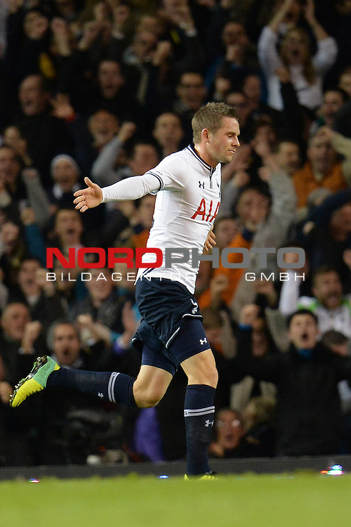 Tottenham's Gylfi Sigurosson celebrates scoring a goal  30/10/2013 - SPORT - FOOTBALL - White Hart Lane - London - Tottenham Hotspur v Hull City - Capital One Cup - Forth Round<br /> Foto nph / Meredith<br /> <br /> ***** OUT OF UK *****