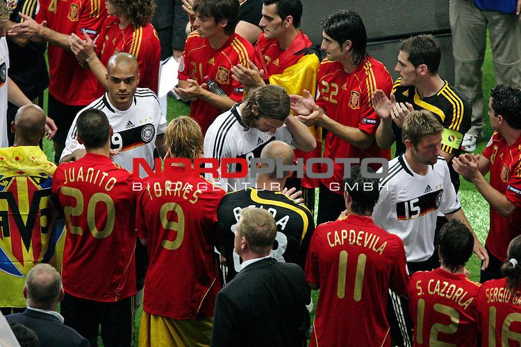 UEFA Euro 2008  Finale - Spanien Europameister 2008<br /> <br /> Vienna - Ernst Happel Match 32<br /> Deutschland ( GER ) - Spanien ( ESP ) 0:1<br /> <br /> Thomas Hitzlsperger ( Germany / Mittelfeldspieler / Midfielder /  VFB Stuttgart #15) Torsten Frings ( Germany / Mittelfeldspieler / Midfielder /  Werder Bremen #08) David Okondor ( Germany / Angreifer / Forward / Betis Sevilla #19)<br /> <br /> Foto &copy; nph (  nordphoto  )<br /> <br /> <br /> <br />  *** Local Caption ***