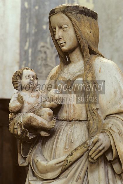 Europe/France/Auvergne/63/Puy-de-Dôme/Aigueperse: La Sainte Chapelle - Détail statue en marbre XVème siècle