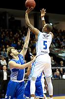 GRONINGEN - Basketbal, Donar - Landstede Martiniplaza, Dutch Basketbal League, seizoen 2018-2019, 06-12-2018, Donar speler Teddy Gipson met Landstede speler Mike Schilder
