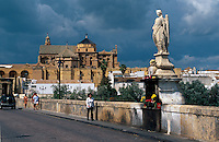 Spanien, Andalusien, Mesquita und Puente Romana in Cordoba, UNESCO-Weltkulturerbe