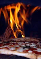 polemiche per la qualita della pizza napoletana dop,<br /> foto d'archivio di una manifestazione a difesa della pizza napoletana dop