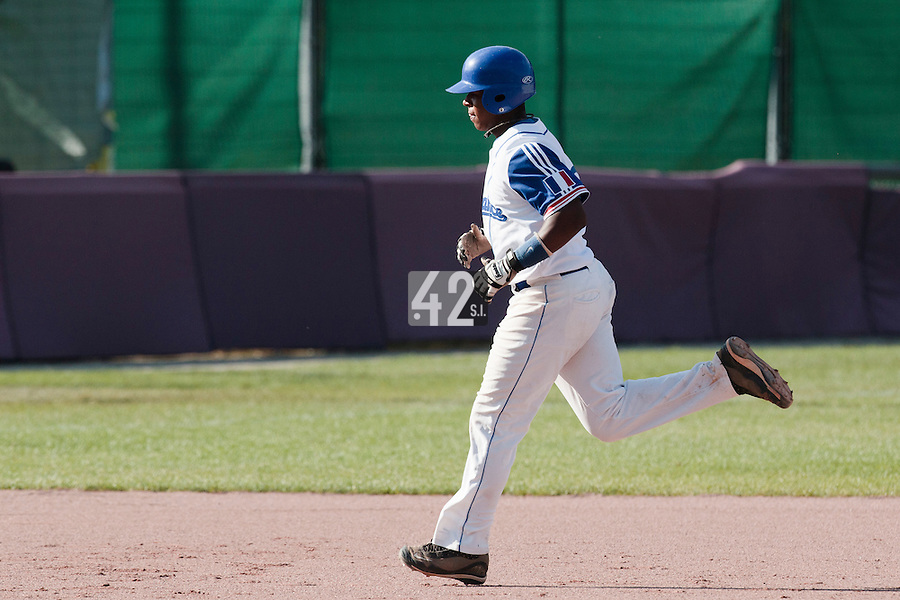 31 July 2010: Omar Williams of Team France runs the bases after his solo home run during the Greece 14-5 win over France, at the 2010 European Championship, in Heidenheim, Germany.