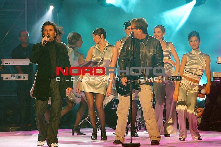 GGrand Prix Vorentscheid 2003 in Kiel / Ostseehalle<br /> Modern Talking stele ihren neuen Song vor - begleitet wurden sie von der Dance Gruppe olga zitluhina aus Lettland<br /> <br /> Foto &copy; nordphoto