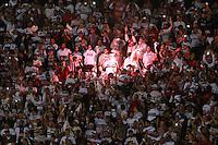 SÃO PAULO,SP, 06.05.2015 - SÃO PAULO-CRUZEIRO - Torcida do São Paulo durante partida contra o Cruzeiro jogo válido pela partida de ida das oitavas de finais da Copa Libertadores da América no estádio Cicero Pompeu de Toledo no bairro do Morumbi região sul de São Paulo, nesta quarta-feira, 06.  (Foto: Vanessa Carvalho/Brazil Photo Press)