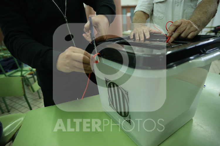 Closing and counting of votes of the Catalan referendum in Electoral Colleges. October  1, 2017. (ALTERPHOTOS/Juan Carlos Rojas)