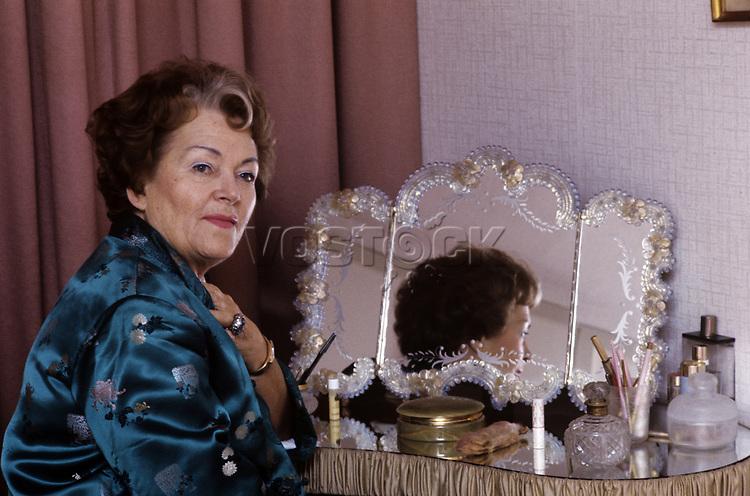Olga Tschechowa - Schauspielerin - um 1974<br /> <br /> - 01.01.1974-31.12.1974<br /> <br /> Es obliegt dem Nutzer zu prüfen, ob Rechte Dritter an den Bildinhalten der beabsichtigten Nutzung des Bildmaterials entgegen stehen.