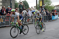 Johan Esteban Chaves (COL/Orica-GreenEDGE) escorted safely through the streets of Torino (to safeguard his overall 2nd position) by teammates <br /> <br /> stage 21: Cuneo - Torino 163km<br /> 99th Giro d'Italia 2016