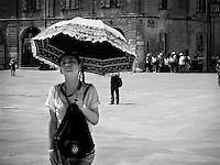 Lecce - Piazza Duomo - Turista asiatica - 15 giugno 2015