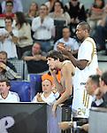 Ibaka aplaude desde el banquillo. Partido de Euroliga entre el Real Madrid y el EA7 Armani. 28 de Octubre 2011. La Caja M·gica. Madrid...Photo: Marcos / ALFAQUI