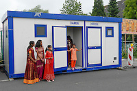 GERMANY Hamm , Hindu festival at Hindu temple, toilet container / DEUTSCHLAND, Hamm, tamilisches Hindufestival, Toiletten Container