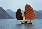 Asie, Vietnam, baie d'Along, classée au patrimoine mondial par l'Unesco//Asia, Vietnam, Halong bay classified at the Unesco world heritage