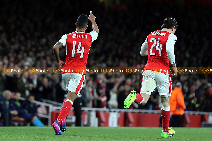 Theo Walcott celebrates scoring Arsenal's opening goal during Arsenal vs FC Bayern Munich, UEFA Champions League Football at the Emirates Stadium on 7th March 2017