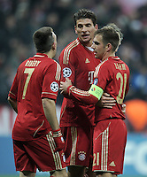 FUSSBALL   CHAMPIONS LEAGUE   SAISON 2011/2012     22.11.2011 FC Bayern Muenchen - FC Villarreal Jubel nach dem Tor zum 2:0 Franck Ribery, Mario Gomez, Philipp Lahm (v. li., FC Bayern Muenchen)