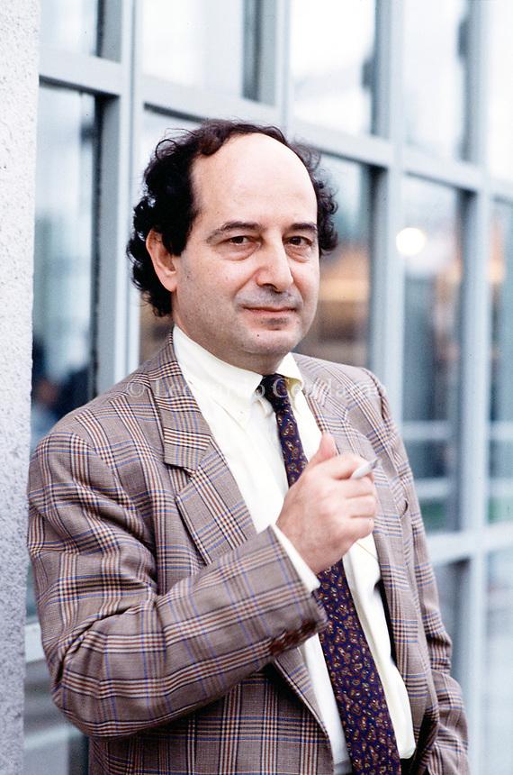 Roberto Calasso, italian writer and publishing Adelphi. Torinno maggio 1986. © Leonardo Cendamo