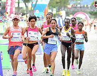 BOGOTÁ -COLOMBIA. 29-09-2013. Sylvia Kibet de Kenia ganó la Carrera de la Mujer 2013 que se cumplió en la ciudad de Bogotá con un recorrido de 12km. Segunda fue  para Paskalia Kipkoech de Kenia. /  Sylvia Kibet of Kenya won the Women's Race 2013 that was met in the city of Bogota with a distance of 12km. Second was to Paskalia Kipkoech Kenya. Photo: VizzorImage/Luis Emiro Mejía/CONT<br /> EDITORIAL USE ONLY