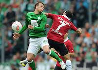 FUSSBALL   1. BUNDESLIGA   SAISON 2012/2013   3. SPIELTAG Hannover 96 - SV Werder Bremen     15.09.2012 Philipp Bargfrede (li, SV Werder Bremen) gegen Sergio Pinto (re, Hannover 96)