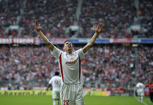 25.09.2010 Mainz stayed on course to break the record for consecutive wins at the start of a Bundesliga season by defeating defending champions Bayern Munich at the Allianz Arena. Picture shows Adam Szalai FSV Mainz goal celebration.