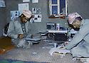 Irak 1985.Dans les zones libérées, région de Lolan, bureau dans une base du PDK.Iraq 1985.In liberated areas, Lolan district, an office in a KDP's base
