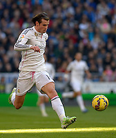 MADRID - ESPAÑA - 10-01-2015: Bale, jugador de Real Madrid durante partido de la Liga de España, Real Madrid y Espanyol en el estadio Santiago Bernabeu de la ciudad de Madrid, España. / Bale,  player of Real Madrid during a match between Real Madrid and Espanyol for the Liga of Spain in the Santiago Bernabeu stadium in Madrid, Spain  Photo: Asnerp / Patricio Realpe / VizzorImage.
