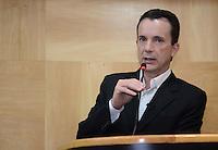 SAO PAULO, 06 DE SETEMBRO DE 2012 - ELEICOES 2012 RUSSOMANNO - Candidato Celso Russomanno durante visita a Faculdade Getulio Vargas onde deu palestra aos alunos, na regiao central da capital, na tarde desta quinta feira. FOTO: ALEXANDRE MOREIRA - BRAZIL PHOTO PRESS