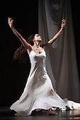 Iphigenie auf Tauris, Tanztheater Wuppertal Pina Bausch, Sadler's Wells, London, Ruth Amarante as Iphigenie