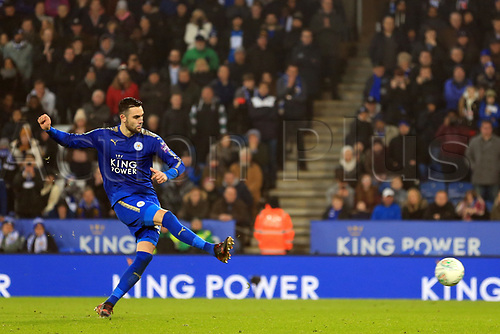 19th December 2017, King Power Stadium, Leicester, England; Carabao Cup quarter-final, Leicester City versus Manchester City; Vicente Iborra of Leicester City scores his penalty  in penalty shoot out