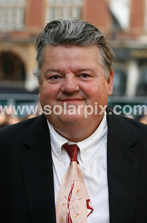 **ALL ROUND PICTURES FROM SOLARPIX.COM**.Robbie Coltrane.UK Premiere of Harry Potter and the Order of the Phoenix at the Odeon Leicester Sq in Londons West End..JOB REF:  4211   SSD     DATE: 03.07.07.**MUST CREDIT SOLARPIX.COM OR DOUBLE FEE WILL BE CHARGED* *UNDER NO CIRCUMSTANCES IS THIS IMAGE TO BE REPRODUCED FOR ANY ONLINE EDITION WITHOUT PRIOR PERMISSION*