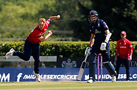 Jamie Porter of Essex in bowling action during Middlesex vs Essex Eagles, Royal London One-Day Cup Cricket at Radlett Cricket Club on 17th May 2018