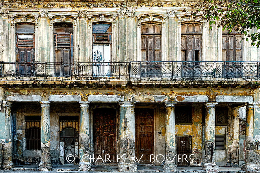 Everyday Cuba and life goes on on the balcony<br /> <br /> -Limited Edition of 50 prints.