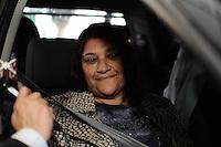 GUARULHOS , SP, 14 MARÇO 2013 - JULGAMENTO MIZAEL BISPO - Janete Mae de Mercia chega para o quarto dia de julgamento, no Fórum de Guarulhos, pelo assassinato da advogada Mércia Nakashima em maio de 2010. De acordo com acusação do Ministério Público, Mizael matou Mércia por ciúmes, porque ela não queria reatar o romance com ele. Ainda segundo a Promotoria, o vigilante Evandro ajudou Mizael na fuga. A vitima foi abordada em Guarulhos, mas morta em Nazaré Paulista, interior de SP. Os réus negam a autoria do crime.(FOTO: ADRIANO LIMA / BRAZIL PHOTO PRESS).