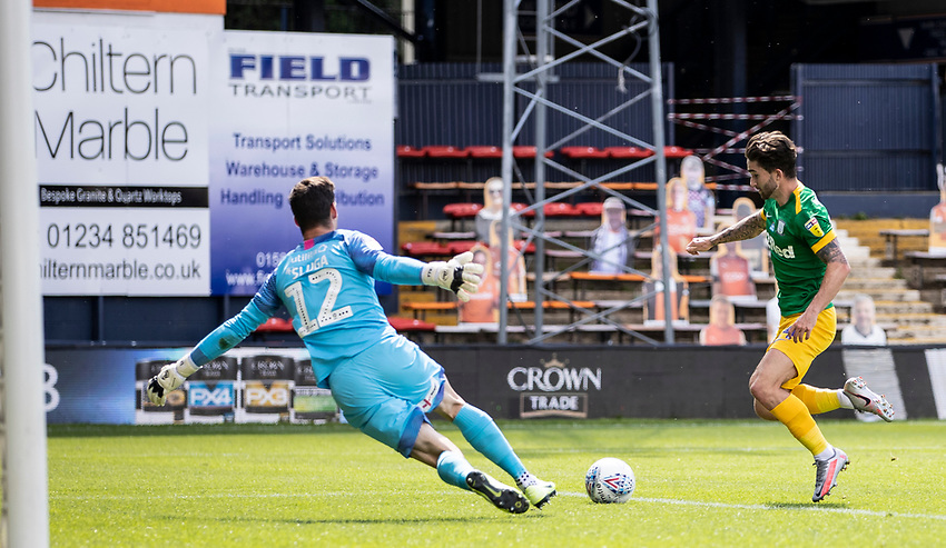 Preston North End's Sean Maguire (right) breaks on Luton Town's goalkeeper Simon Sluga <br /> <br /> Photographer Andrew Kearns/CameraSport<br /> <br /> The EFL Sky Bet Championship - Luton Town v Preston North End - Saturday 20th June 2020 - Kenilworth Road - Luton<br /> <br /> World Copyright © 2020 CameraSport. All rights reserved. 43 Linden Ave. Countesthorpe. Leicester. England. LE8 5PG - Tel: +44 (0) 116 277 4147 - admin@camerasport.com - www.camerasport.com