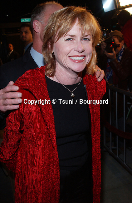 Amy Madigan and Ed Harris arriving at the premiere og Beautiful Mind at the Academy of Motion Pictures in Los Angeles. December 13, 2001.           -            MadiganAmy(HarrisEd)01.jpg