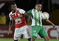 BOGOTÁ - COLOMBIA, 28-07-2018: Carlos Arboleda (Izq.) jugador de Santa Fe disputa el balón con Vladimir Hernandez (Der.) jugador del Nacional durante el encuentro entre Independiente Santa Fe y Atlético Nacional por la fecha 2 de la Liga Águila II 2018 jugado en el estadio Nemesio Camacho El Campin de la ciudad de Bogotá. / Carlos Arboleda (L) player of Santa Fe struggles for the ball with Vladimir Hernandez (R) player of Nacional during match between Independiente Santa Fe and Atletico Nacional for the date 2 of the Aguila League II 2018 played at the Nemesio Camacho El Campin Stadium in Bogota city. Photo: VizzorImage/ Gabriel Aponte / Staff