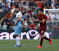 Calcio, Serie A: Lazio vs Roma. Roma, stadio Olimpico, 25 maggio 2015.<br /> Roma's Juan Iturbe, right, celebrates after scoring as Lazio's Antonio Candreva reacts during the Italian Serie A football match between Lazio and Roma at Rome's Olympic stadium, 25 May 2015.<br /> UPDATE IMAGES PRESS/Isabella Bonotto