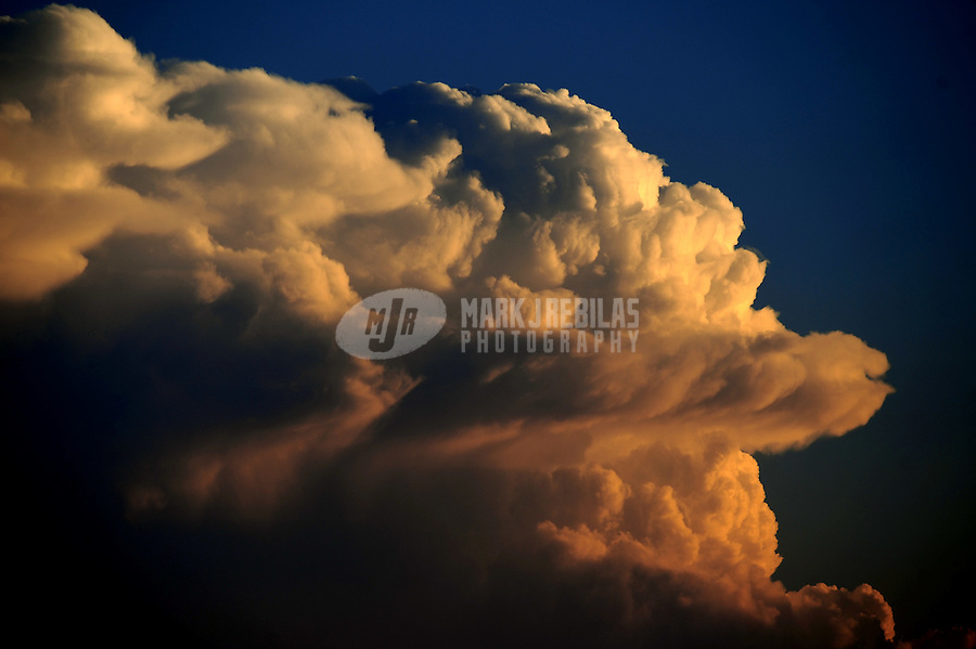 desert storm monsoon weather storm chaser chasing clouds thunderstorm sky thunderhead Arizona mountain