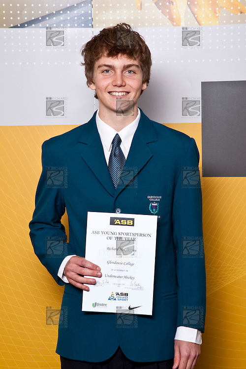 Boys Underwater Hockey winner Richard Hoksbergen from Glendowie College. ASB College Sport Auckland Secondary School Young Sports Person of the Year Awards held at Eden Park on Thursday 12th of September 2009.